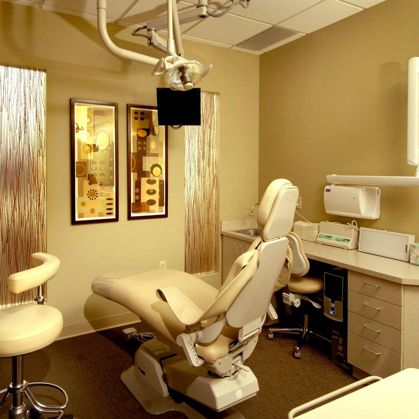Dental clinic in Denver Co